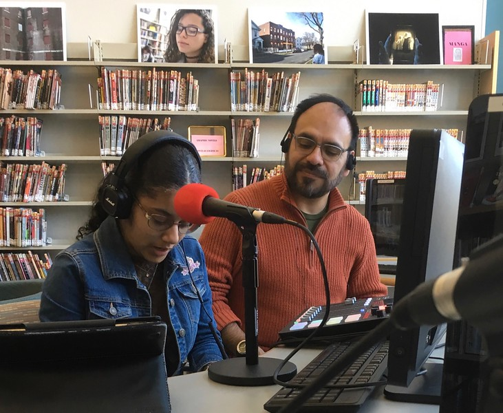 This teen conducted an interview with Sandy Ward, asking about the Mini Golf event and our volunteer group (Friends of the Library). Iohann Rashi Vega set up the equipment and posted the audio recording on the RadioPlasma website:  https://radioplasma.com/
