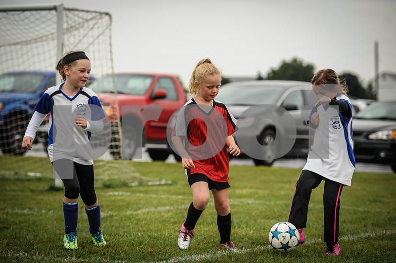 9-08-18 Eva Nygaard's u-8 soccer game vs LB-41.jpg