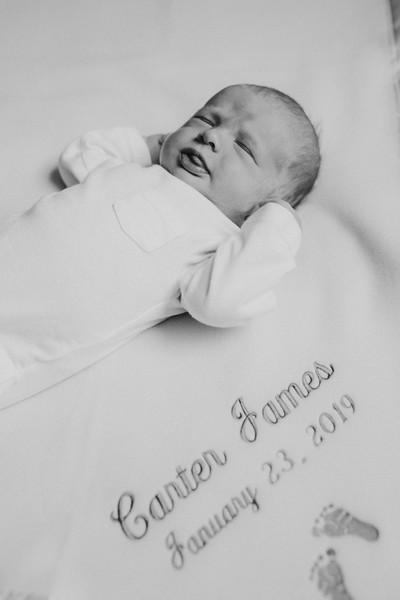 newborn-276edit.jpg