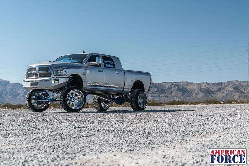Ridin'-High-Silver-Dodge-Ram-161105-DSC02893-89.jpg