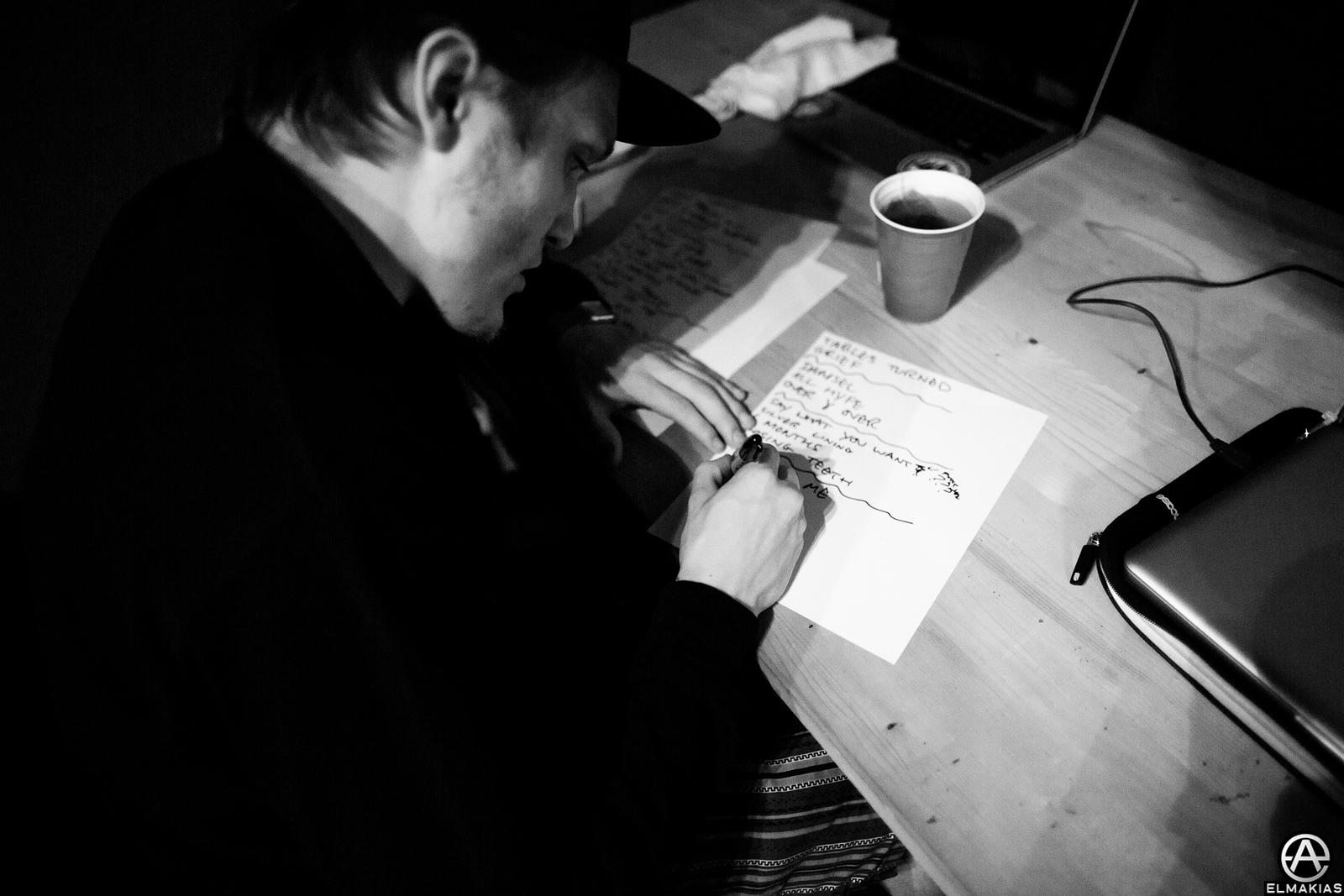 Ben of Neck Deep writing set lists