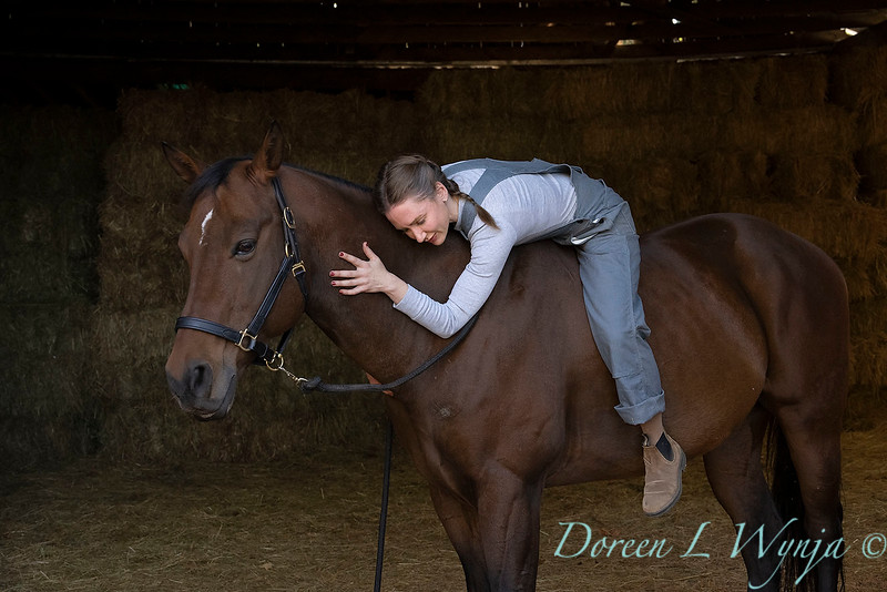 Girl and her horse_162.jpg