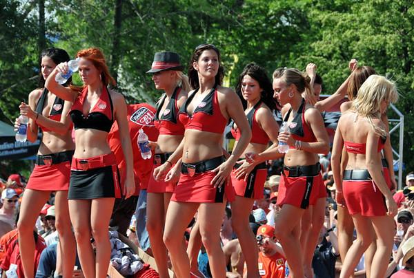 Bud Girls Au Revoir.jpg