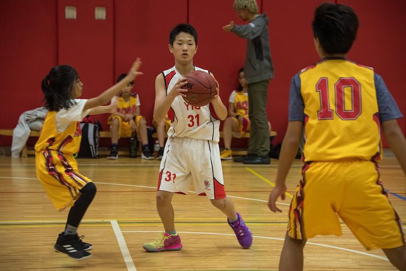 MS Boys Basketball-untitled shoot-YIS_9169-2018-19.jpg