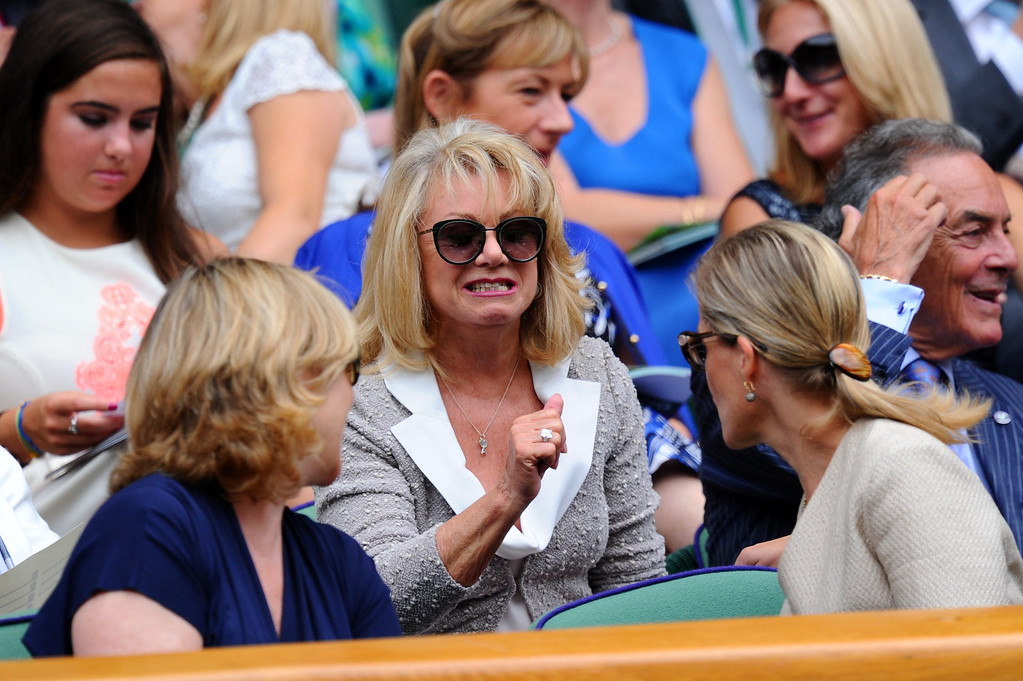 . LONDON, ENGLAND - JULY 04:  Singer Elaine Paige speaks with Sophie the Countess of Wessex during the Ladies� Singles semi final match between  Marion Bartoli of France and Kirsten Flipkens of Belgium on day ten of the Wimbledon Lawn Tennis Championships at the All England Lawn Tennis and Croquet Club on July 4, 2013 in London, England.  (Photo by Mike Hewitt/Getty Images)