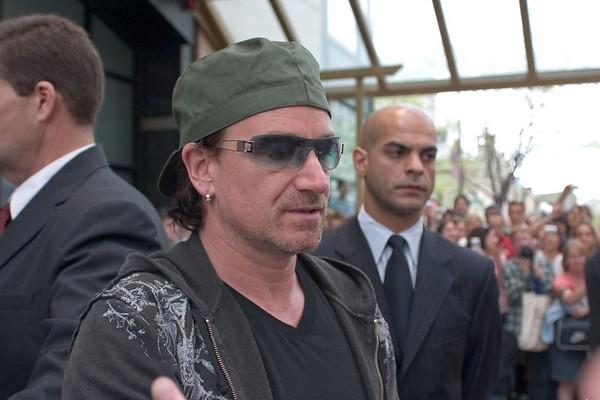 2005-05-09  Chicago - Bono at Park Hyatt Hotel