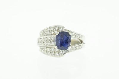 Ceylon Sapphire, 18KW and diamond Retro ring