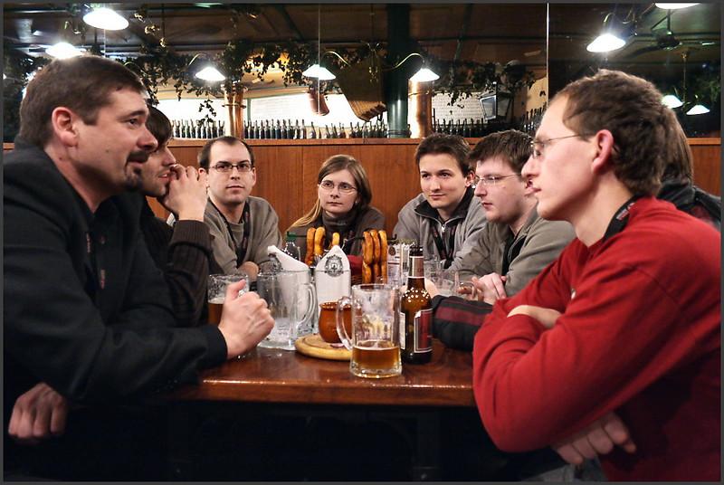 Jon von Tetzchner at the Operacesky.net table