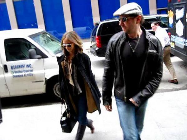 2009-04-07 - Jennifer Love Hewitt, Jamie King
