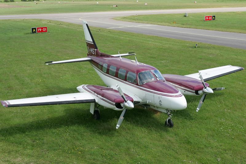 OY-MST-PiperPA-31-310NavajoB-Private-EKVD-2004-06-21-GJ7I2451-DanishAviationPhoto.jpg