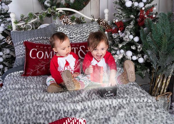 Cora & Radlee (1 Year & Christmas) 2020