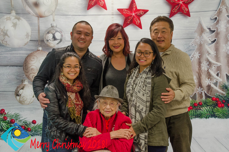 Christmas Photobooth 2018 Sunday-115.jpg
