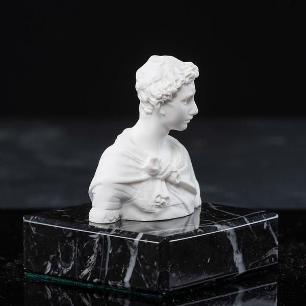 Statue-5-499.jpg