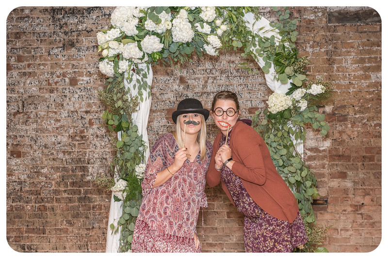 Laren&Bob-Wedding-Photobooth-230.jpg