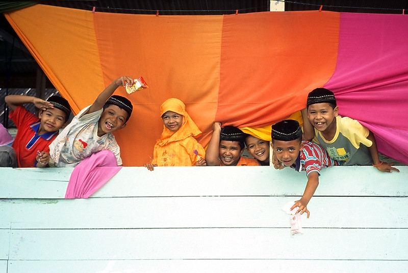 Children_in_Aceh.jpg