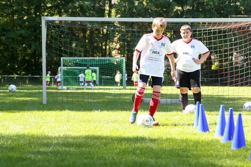 hsv_fussballschule-311_48047994948_o.jpg