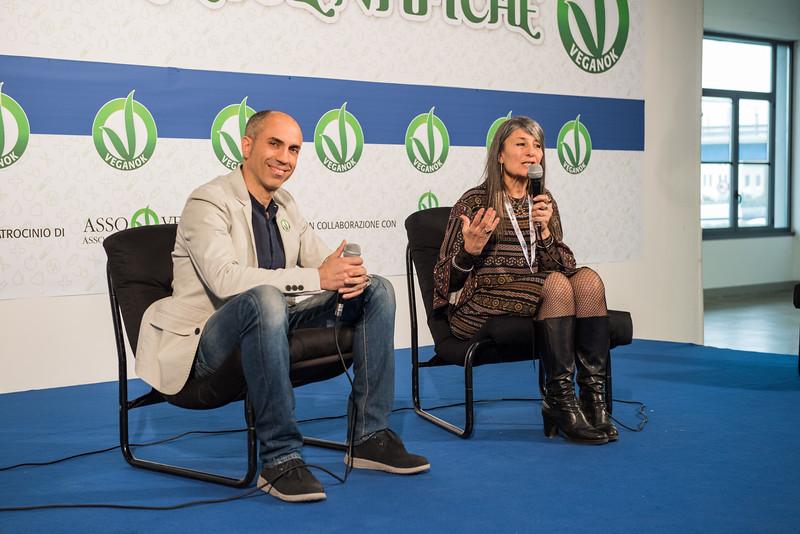 lucca-veganfest-conferenze-e-piazzetta_035.jpg