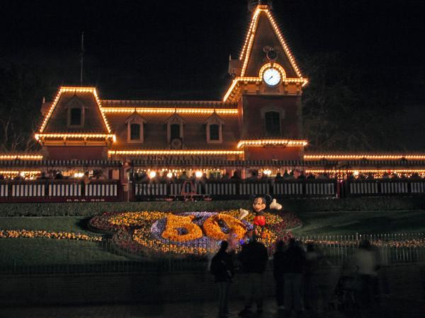 Disneyland Park Anaheim at Night - Dec 2005