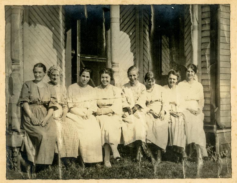 1900-1950 Chris's Family-1.jpg