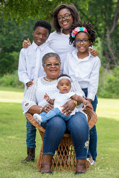 Sasha's Family Mother's Day Shoot-2.jpg