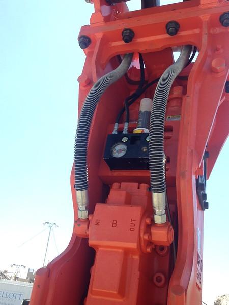 NPK GH15 hydraulic hammer with hammer mounted autolube.JPG
