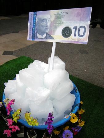 Workers' Action Centre 'Melt the Freeze! Raise Minimum Wage!'