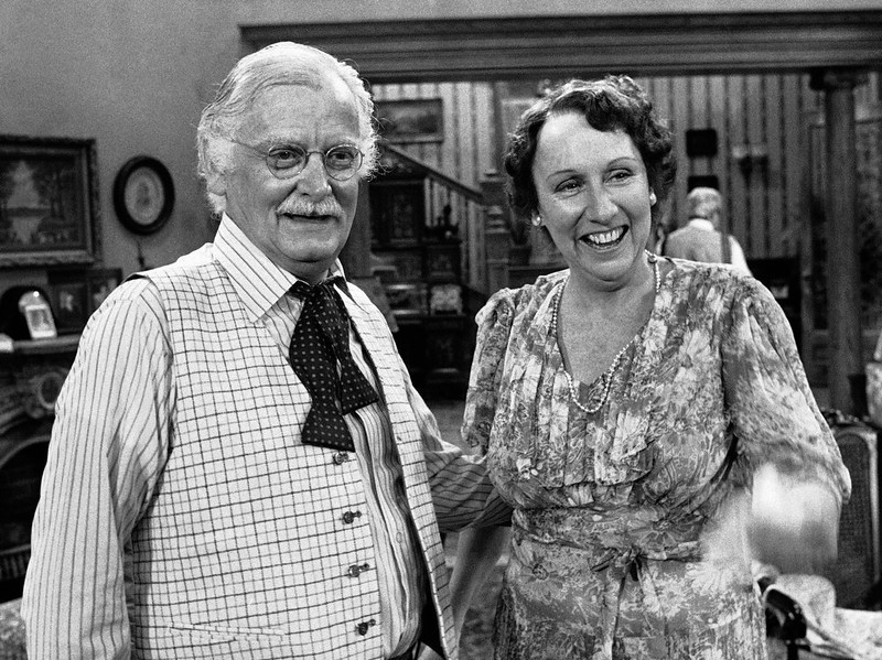 """. Co-stars Art Carney, left, and Jean Stapleton stand together during a rehearsal for the play \""""You Can\'t Take it With You\"""" in Los Angeles on May 14, 1979. Stapleton has died at the age of 90. John Putch said Saturday, June 1, 2013 that his mother died Friday, May 31, 2013 of natural causes at her New York City home surrounded by friends and family. (AP Photo/Brich)"""