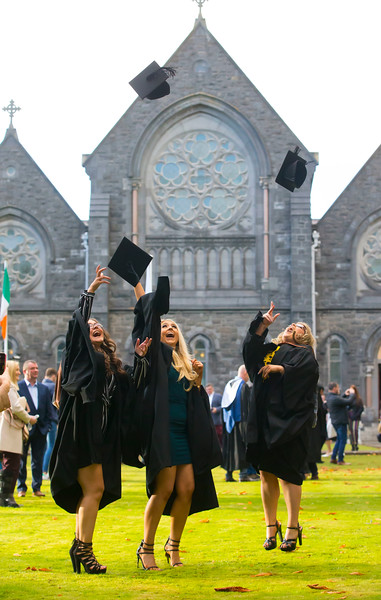 01/11/2018. Waterford Institute of Technology (WIT) Conferring Ceremonies 2018. Pictured are Leanne Ryan Clonmel, Stephanie Sinmott Adamstown, Cassie Mcgrath Wexford. Picture: Patrick Browne