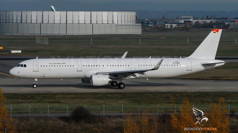 Airbus Industries / Airbus A321-211(SL) / D-AZAK