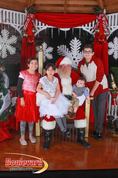 Santa 12-10-16-425.jpg