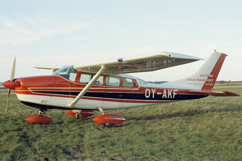 OY-AKF-CessnaTP206ETurboSuperSkylane-Private-Fredericia-1971-N11-18-KBVPCollection.jpg