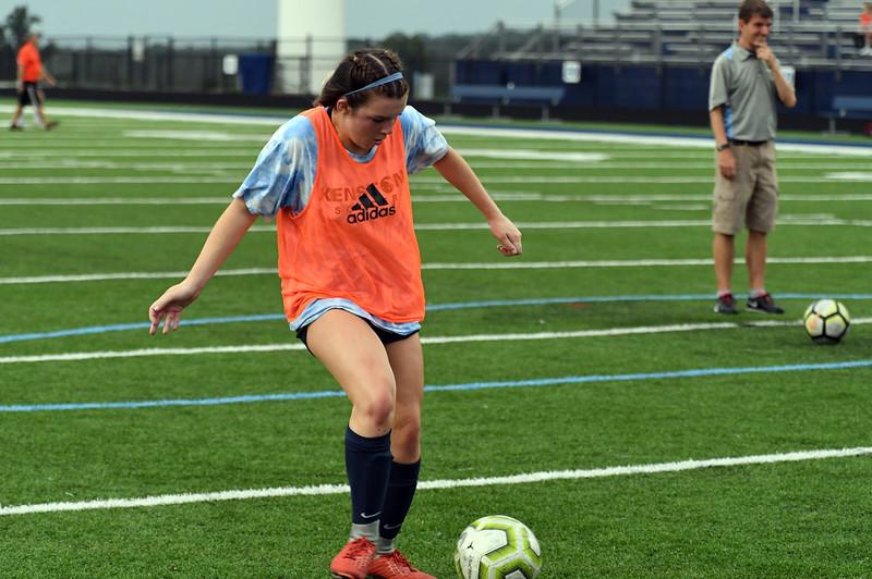 girls_soccer_2290.jpg