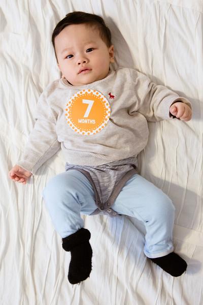 Seth 7 month-3061.jpg