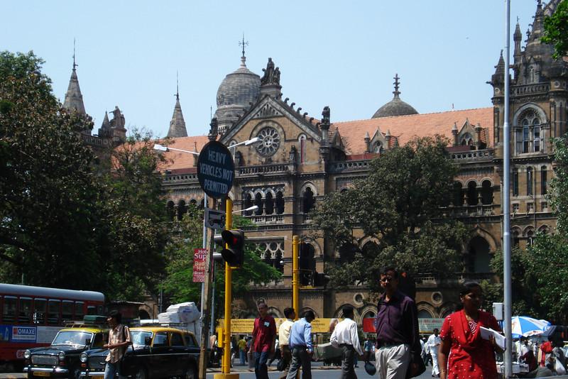 Victoria Terminus Mumbai.jpg