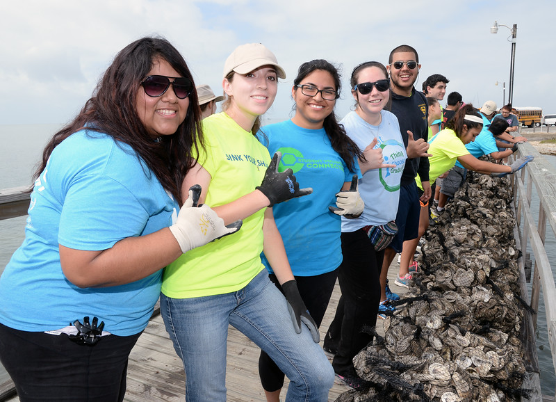members-of-the-student-volunteer-connection-volunteer-at-the-oyster-reef-restoration-project-held-at-goose-island-state-park_14205410013_o.jpg