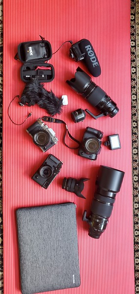 Whats in my road trip camera bag