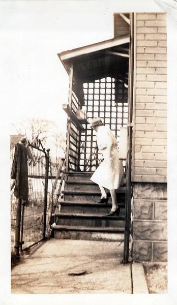 1942 Aunty Florence.jpeg