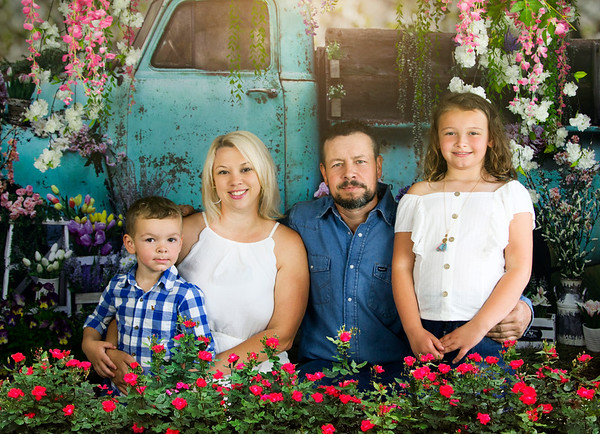Emma and Family Spring Mini 2021