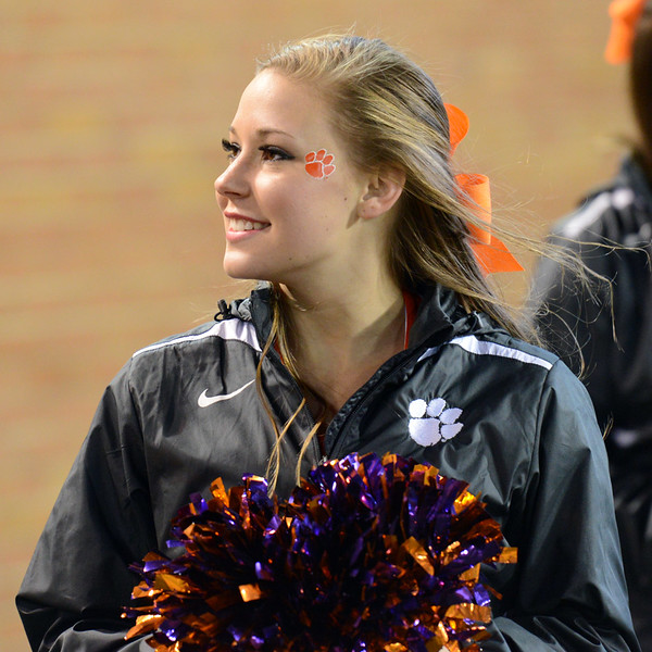 Clemson cheerleader.jpg