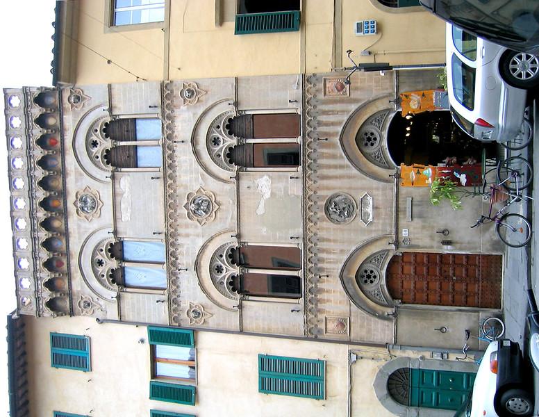 Pisa_house.jpg