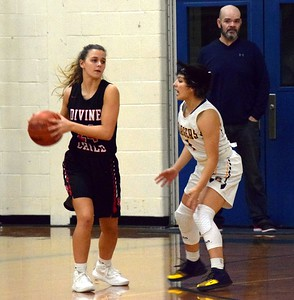 HS Sports - Divine Child at Crestwood Girls Basketball