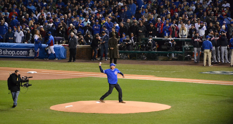 My childhood hero, Ryne Sandberg throws out the first pitch. #23 HOF