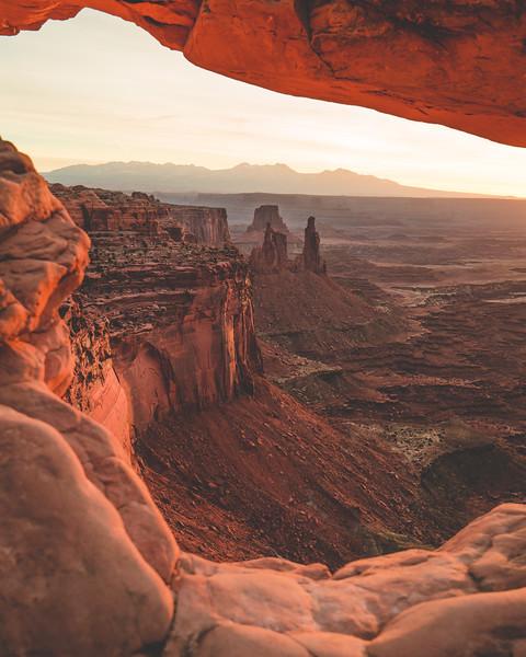 Mesa Arch ArchesNP-3.jpg