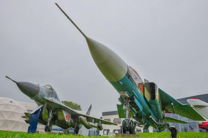Deblin-MiG23ML-MiG29-kedark_D854633.jpg