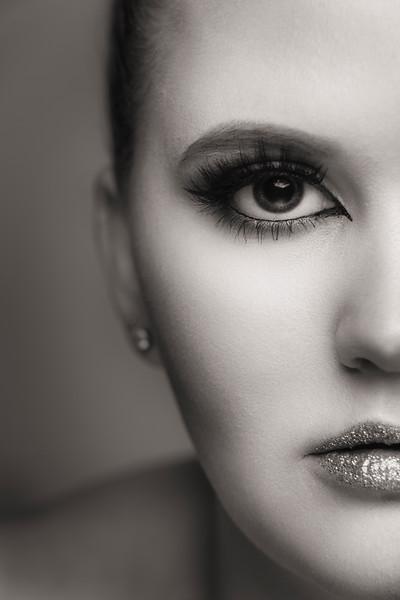 Taryn Beauty_Graham McKerrell_200405_-2.jpg