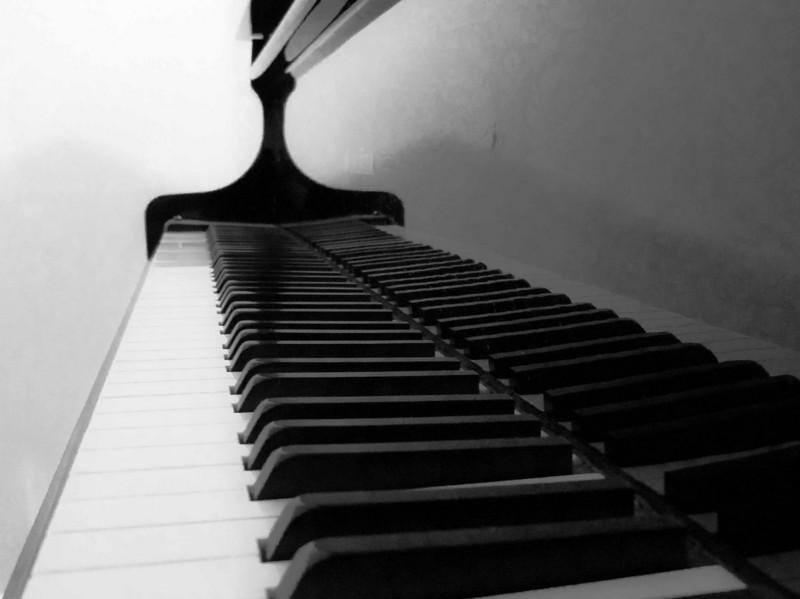 PianoBW.jpg