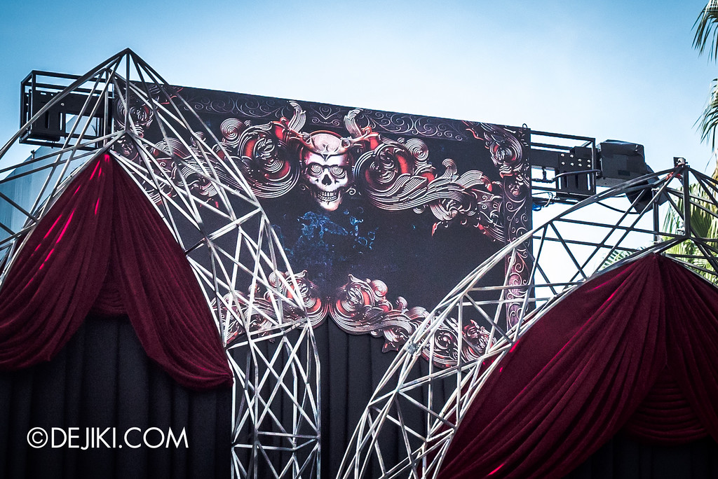 Universal Studios Singapore - Halloween Horror Nights 6 Before Dark Day Photo Report 3 - Opening Scaremony stage tower decorated