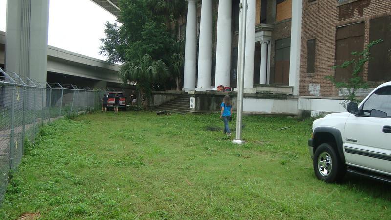 Annie Lytle 2012 Cleanup Effort and Volunteers 015.jpg