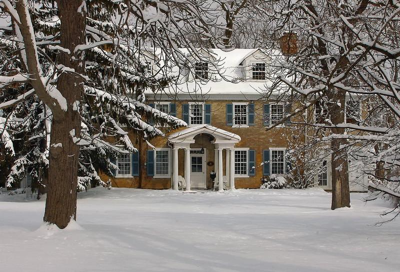 Colonial Manor.jpg
