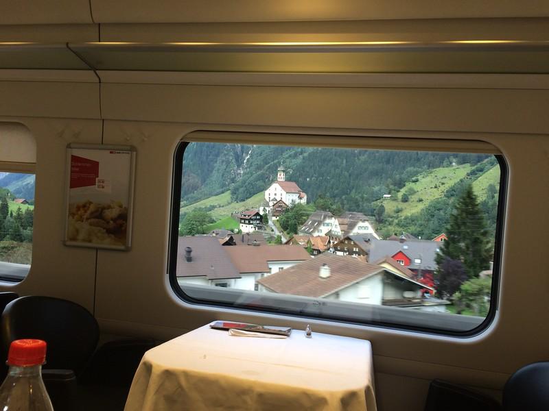 340_iPhone_Switzerland.JPG